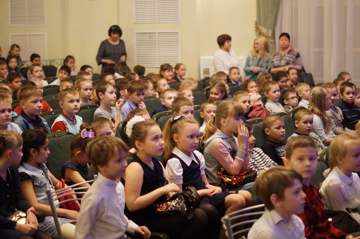 Марафон «Неделя детям» завершился в театре кукол