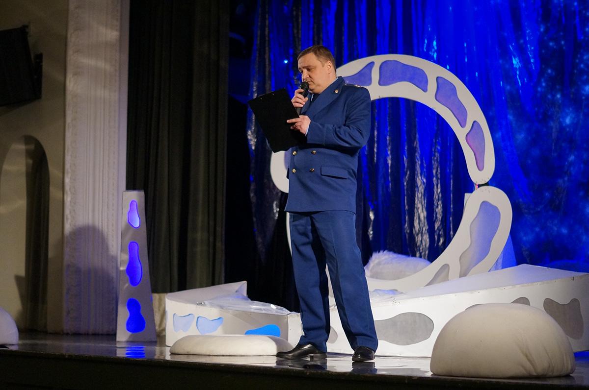 «Вместе ради детей»: театр кукол подарил детям премьерный спектакль