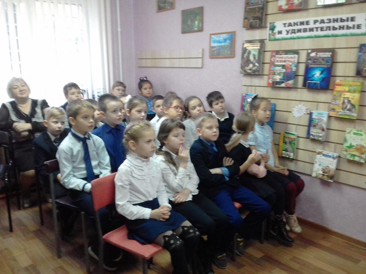 Театр кукол в гостях у библиотеки им. Смургиса